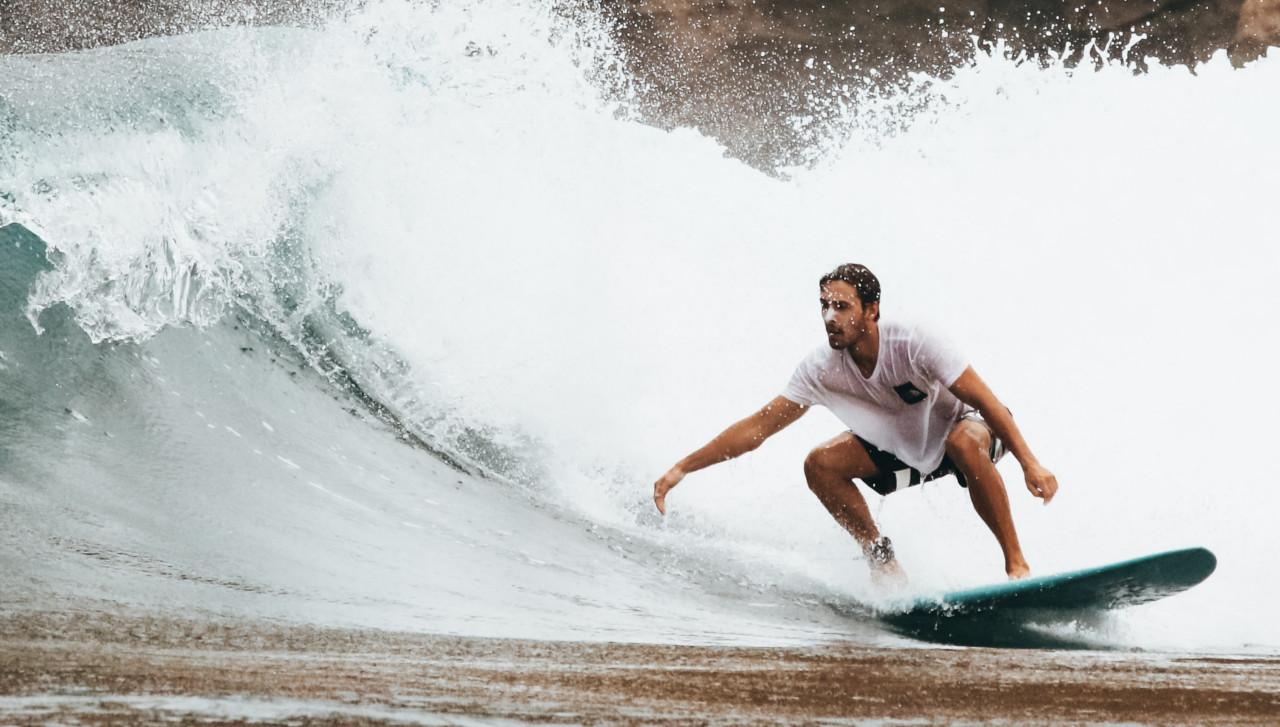 Bottom Turn Surfmanöver lernen Surfen Surftechnik