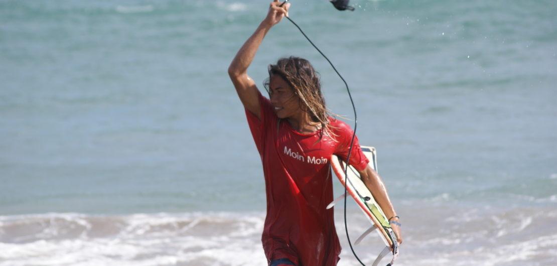 Surf pure Freude. Glücksgefühle Wellenreiten, Adrenalin Hormone