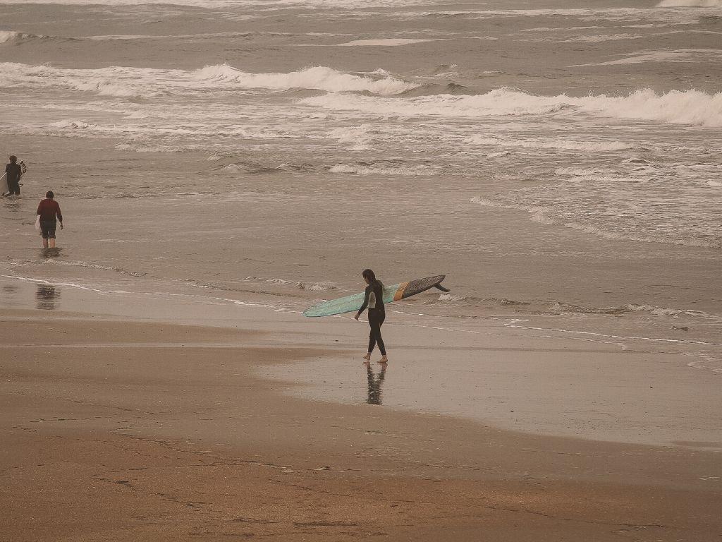 Gezeiten beim Surfen Ebbe und Flut Auswirkungen Surfspot