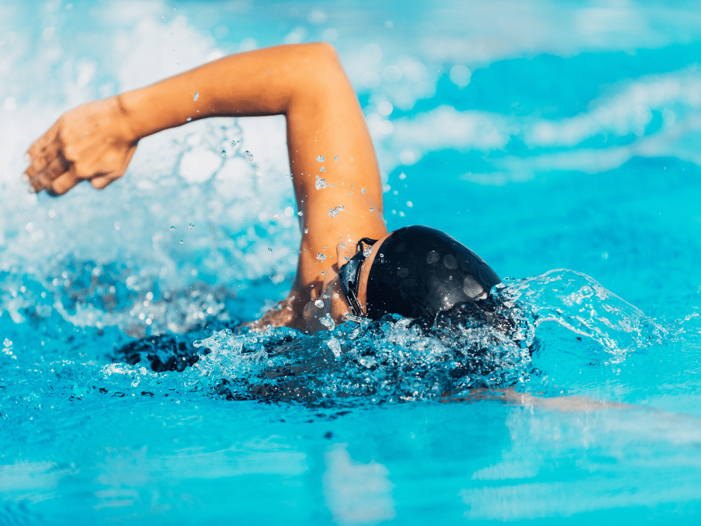 Ausdauertraining für Surfer Schwimmen