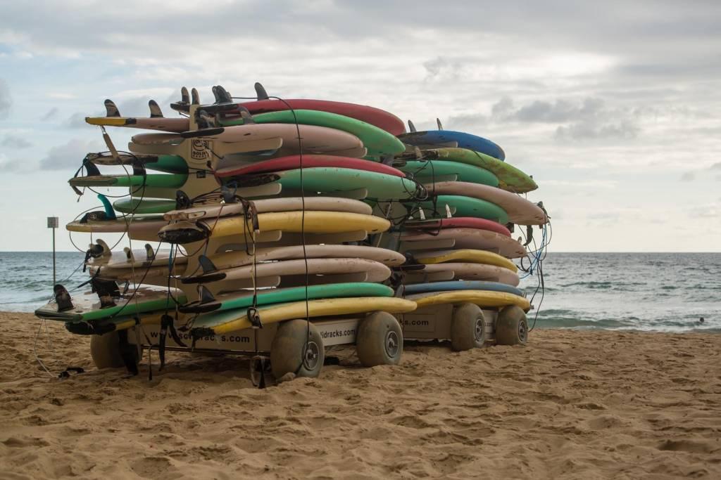 Surfen nach einer langen Pause nach der Surfpause