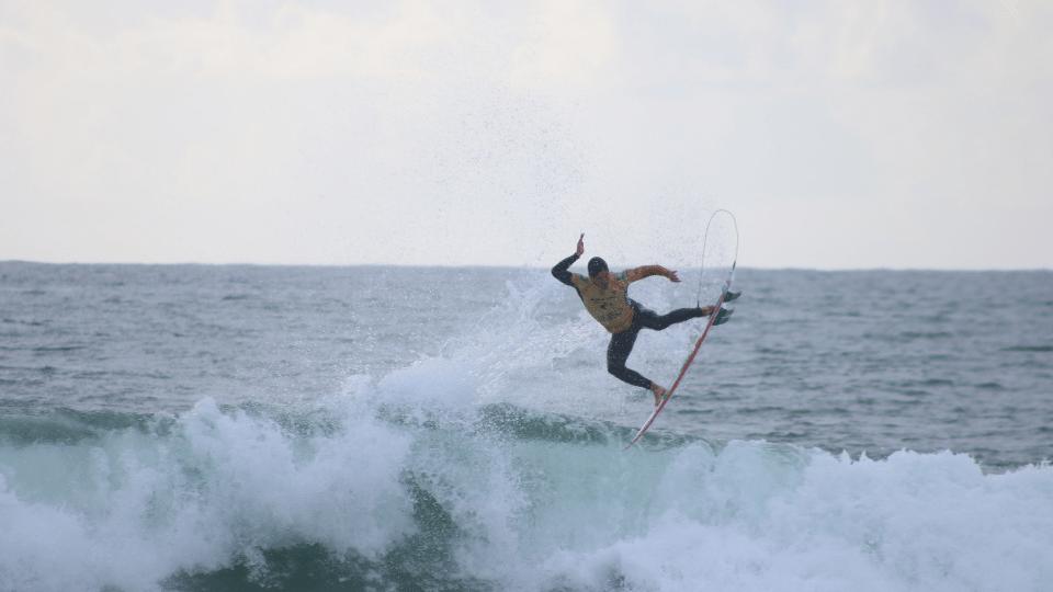 Surfwettkampf Regeln und Bewertung